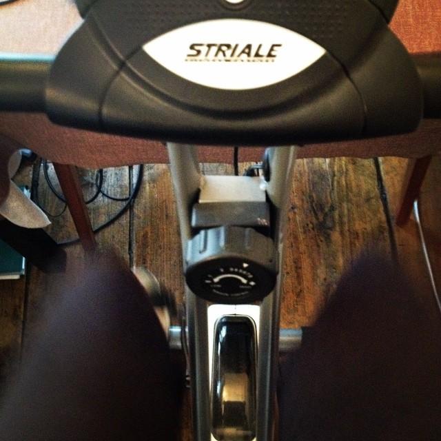 c'est la rentrée sportive pour moi !!! vélo/ course à pieds/ abdo-fessiers et piscine ... combien de temps vais-je résister?