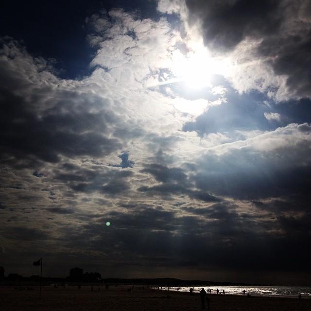 sous le soleil il y a toujours le nuages... I love Calais !