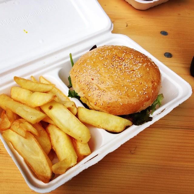 Braderie de Lille = Food Truck ! moi j'ai testé le burger thaï du Bistro Truck